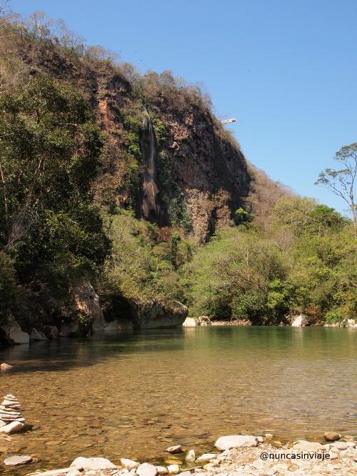Playa fluvial en el río Salobra