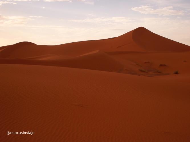 anochecer en el desierto