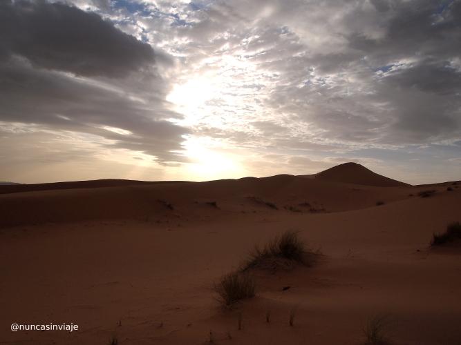 anochecer en el desierto de Marruecos