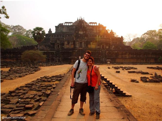 Puesta de sol sobre los templos de Angkor