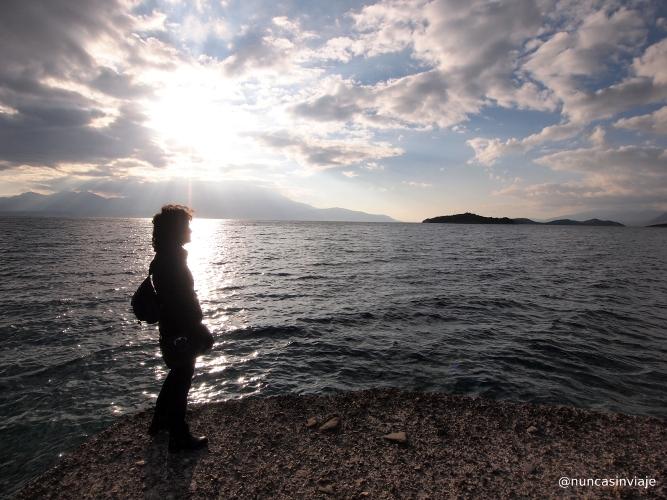 Puesta de sol en una playa de Grecia