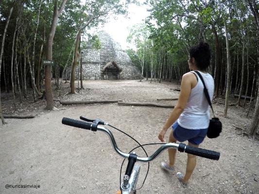 Paseo en bicicleta por las ruinas mayas de Cobá