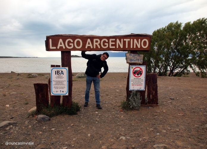 Cartel en el Lago Argentino en El Calafate