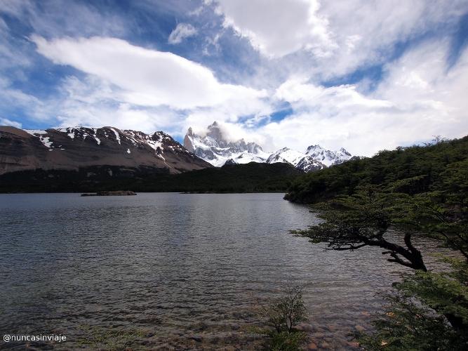 Laguna Capri en El Chaltén, con el cerro Fitz Roy al fondo
