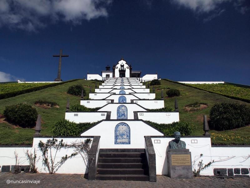 Ermita en lo alto de Vila Franca