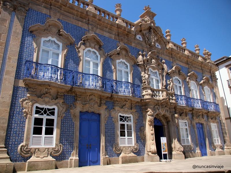 Fachada del Palacio do Raio