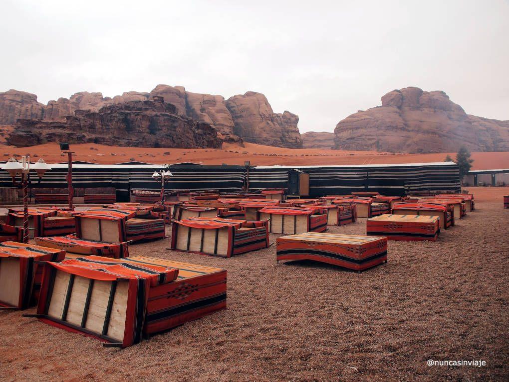 Campamento en pleno desierto