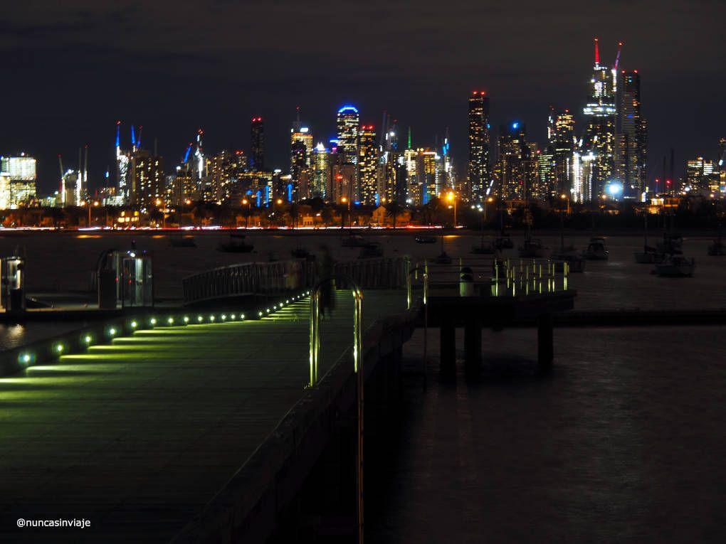 Vista nocturna de Melbourne