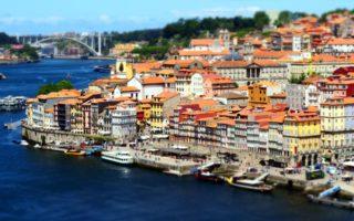 Vista de Oporto desde Vila Nova de Gaia, en Portugal