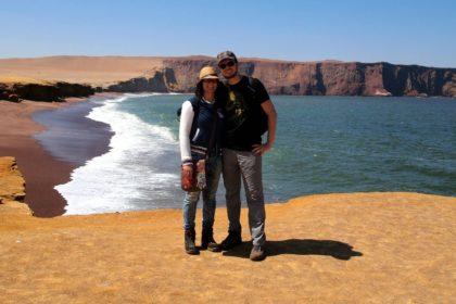 Raquel y Tomás en la reserva de Paracas