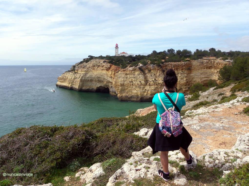Cabo Carvoeiro en Algarve, cerca de la playa de Benagil