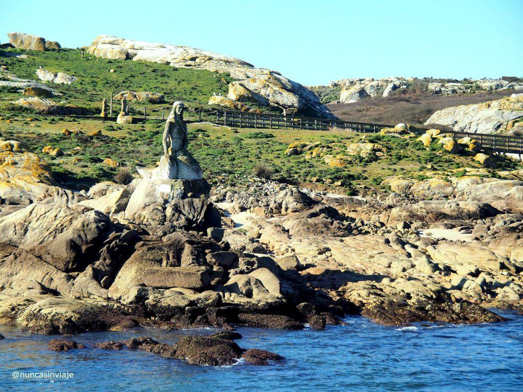 Sirena Mariña en la entrada de la isla