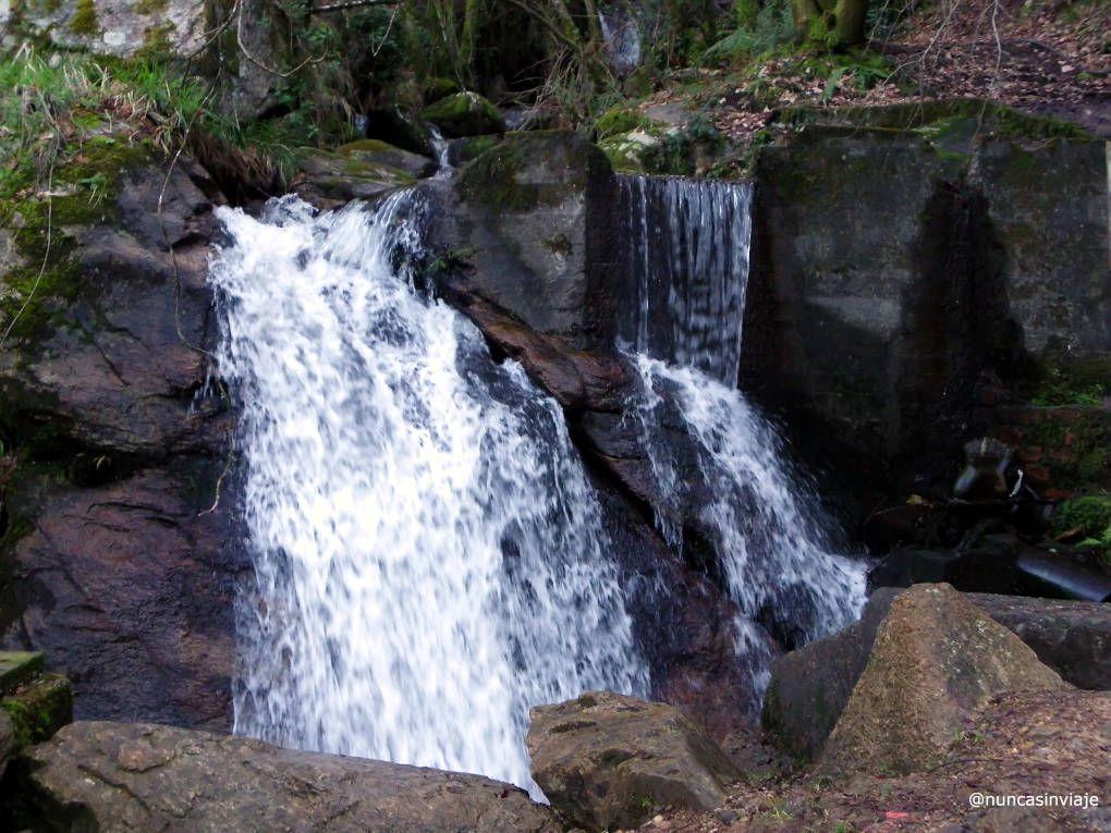 Cascada en la ruta del agua de Vigo