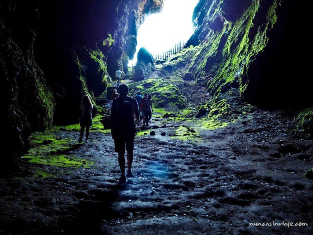 La Cova das Choias desde dentro