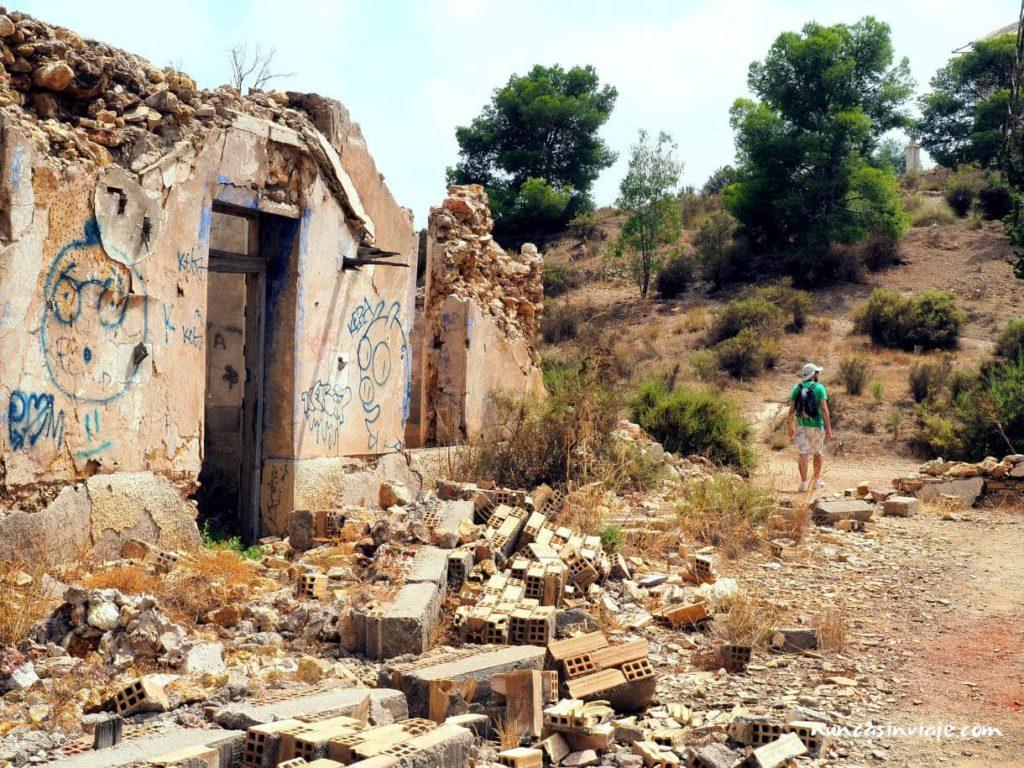 Ruinas de los edificios mineros