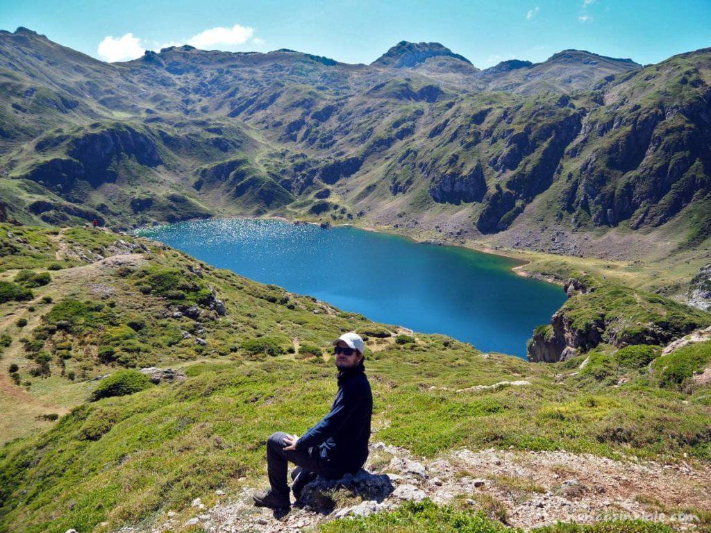 Lago Calabazosa desde lo alto, el más bonito de los lagos de Saliencia