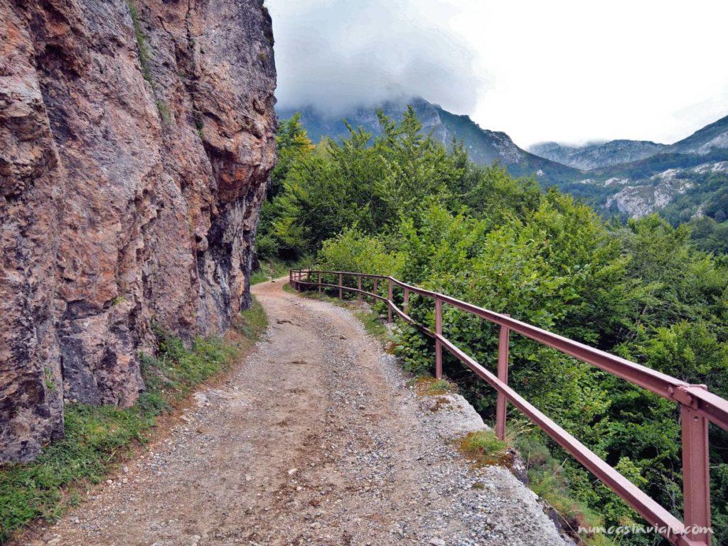Características de la ruta de la Braña de Sousas