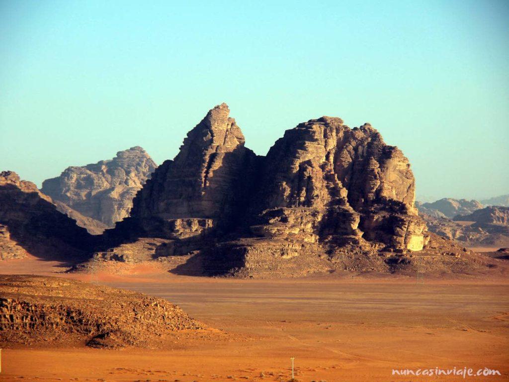 Montañas en el desierto de Wadi Rum