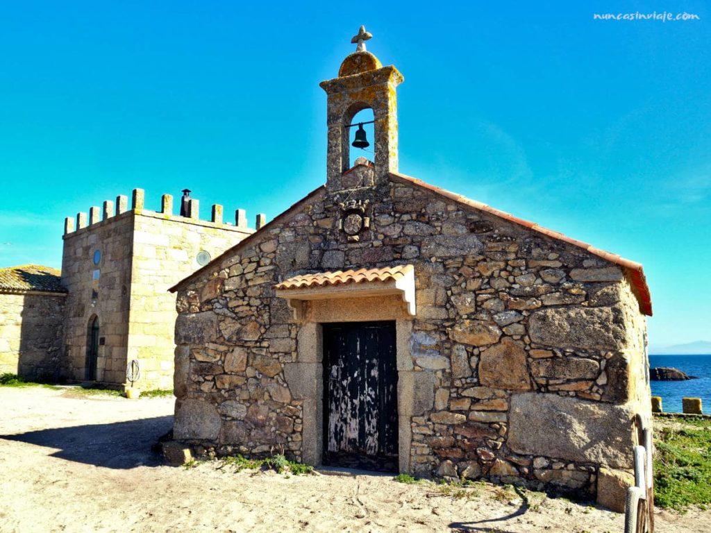 Iglesia junto al pazo de Sálvora