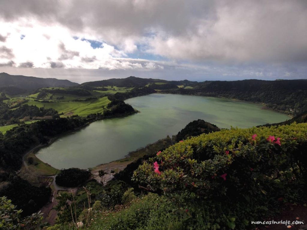 Furnas desde Pico do Ferro
