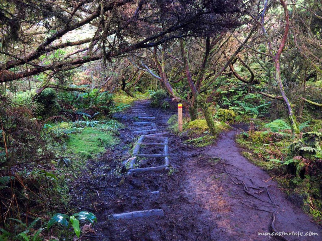 Sendero de Mistérios Negros en Terceira